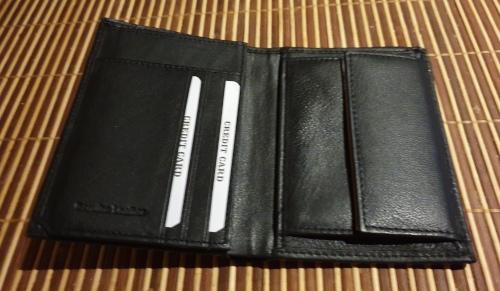 Eono-by-Amazon-Geldbörse-offen